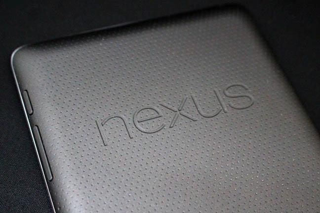 タブレットアーム「100-LATAB001」にNexus7をセットしてみた